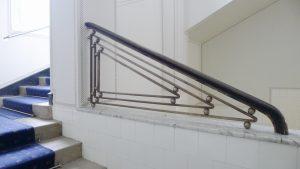 Sanatorium Josefa Hoffmanna -po schodech do jídelny